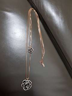 Chomel rose gold necklace