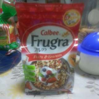 Calbee Frugra, Fruits & Granola 500g