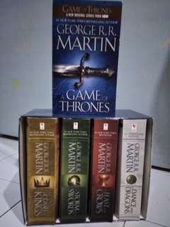 5- Book boxed set - Game Of Thrones
