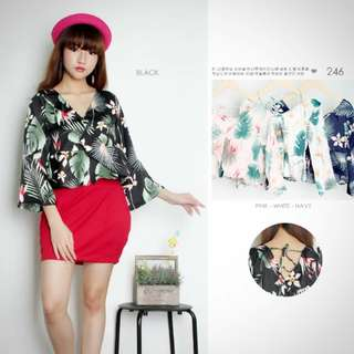 Blouse flowery top