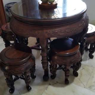 Rosewood round table with 4 stools