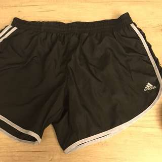 正版adidas黑色短褲
