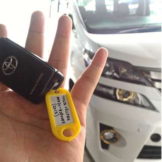 Toyota Vellfire Golden Eyes