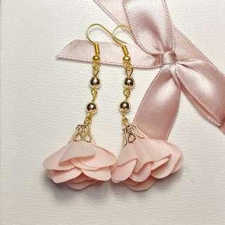 Carrie Flower Earrings