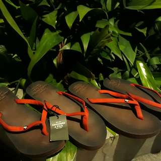 Ambercrombie & fitch flops