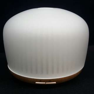 Aroma Humidifier (bluetooth speaker) 香薰噴霧機 (藍芽揚聲器)