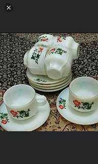 Vintage. Snowflake. China. 12pc set.