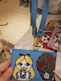 【日本代購】日本迪士尼公主掩咀偷笑造型掛頸卡套