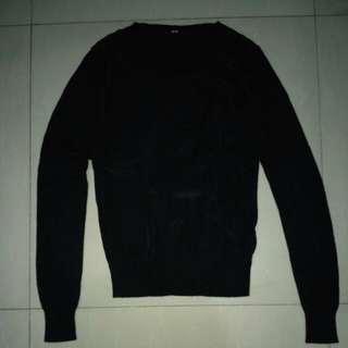 [reprice] Sweater cewe uniqlo