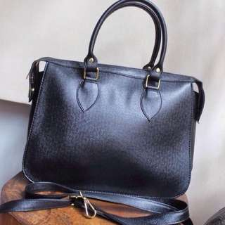 Classic Handbag with Sling