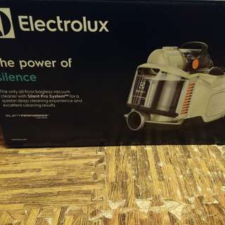 Electrolux 伊箂克斯 ZSP4303AF(全新未折 抽獎禮物)