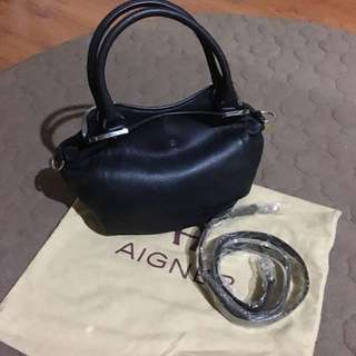 AUTHENTIC AIGNER LEATHER BAG