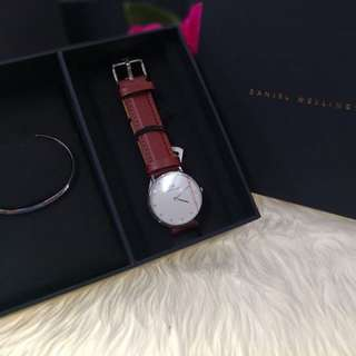 DW LEATHER & STAINLESS WATCH