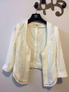 Initial 白色外套
