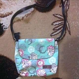 Slingbag / Cross Body Bag