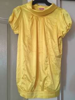Yellow blouse( get laud)
