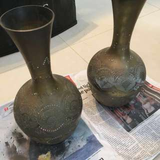 Vase set of 2 (100% Sale will be donated to charity) (Medium Size)