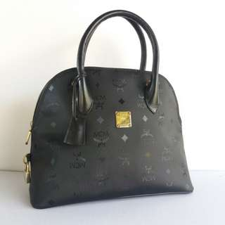 AUTHENTIC MCM JAQUARD ALMA HANDBAG MADE IN GERMANY VERY GOOD CONDITION RM7XX COD KOTA BHARU http://www.wasap.my/60148363708