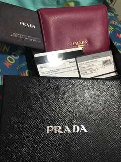 Prada桃紅色短型銀包