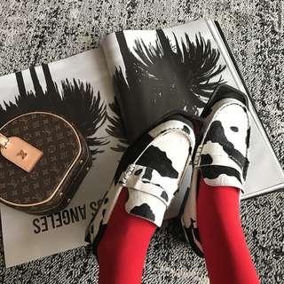 VM 春夏 獨特 新款原創 不規則設計 平底真皮牛奶紋路皮鞋/休閒鞋(偏大)