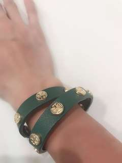 Firm on the price.  excellent condition Authentic Tory burch green wrap around leather bracelet - no inclusions
