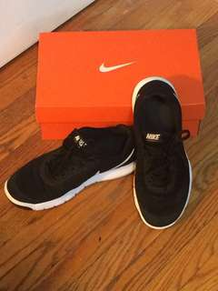 Women's Nike Running Shoes Size 7.5