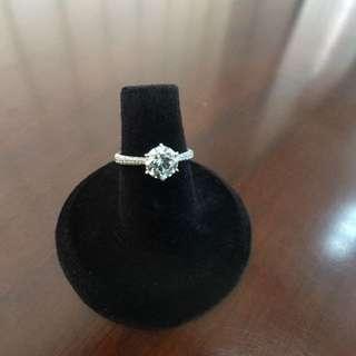[天然鑽石]18k白金1卡20份鑽石6爪臂鑲戒指 不二價$29500