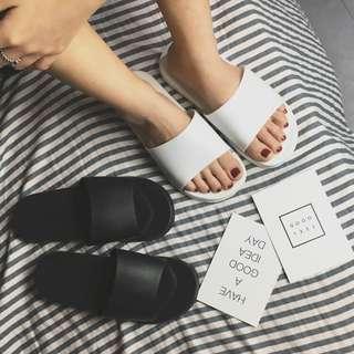 Casual Black Slides