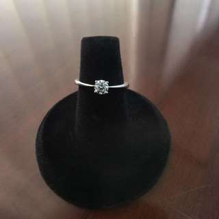[天然鑽石]18k白金30份鑽石4爪戒指 優惠價$4500