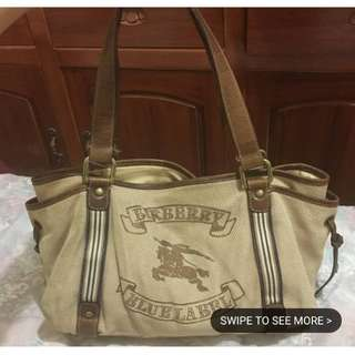 Authentic Burberry Canvass Tote Super Nice in Actual