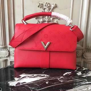 LV Very one handle