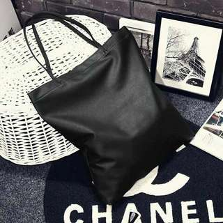 [PO] black leather tote bag