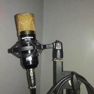 Mic condensor BM 700 dan stand mic