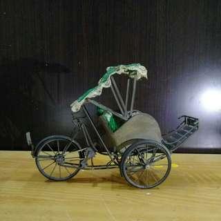 🚚 早期手作青銅三輪車模型