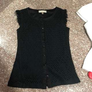L'zzie black lace