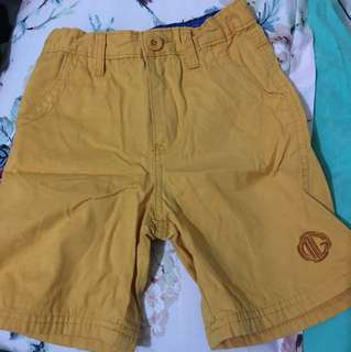 Walking shorts (mustard yellow)