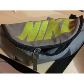 Tas Pinggang Nike