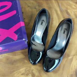 Black Pumps Fioni Shoes (Payless)