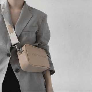 帆布帶側背小包