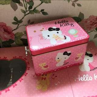 全新 絕版 限量 Hello Kitty 音樂盒 聖誕禮物首選。