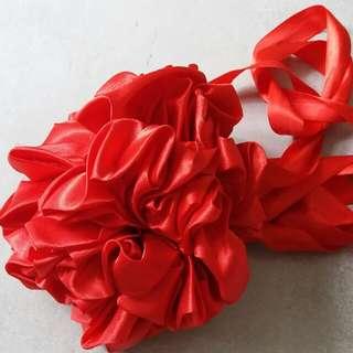 結婚出門 - 欄門紅色花球