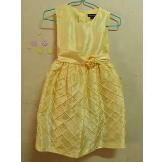 yello ruffled dress