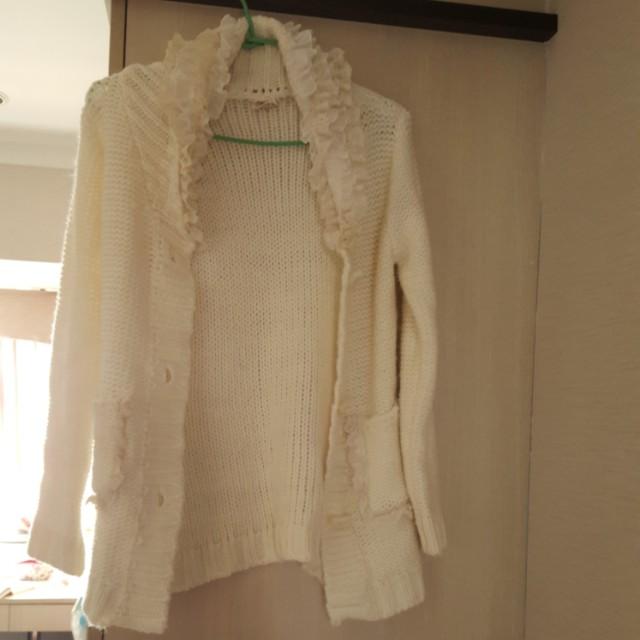九成新針織毛線外套 附贈針織花飾圍巾