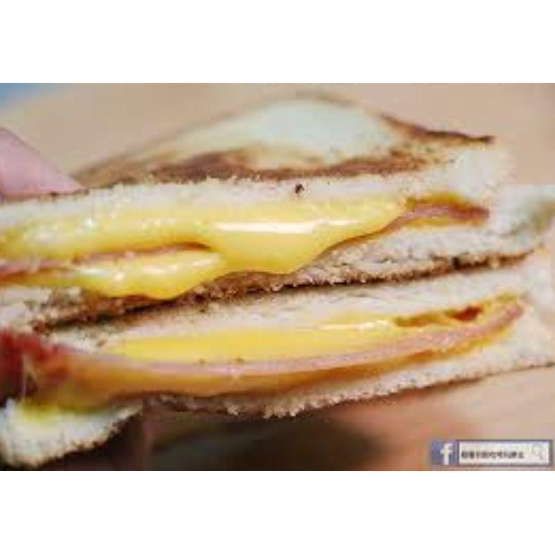 台灣美食|現貨不用等 / 熱樂煎爆漿乳酪三明治