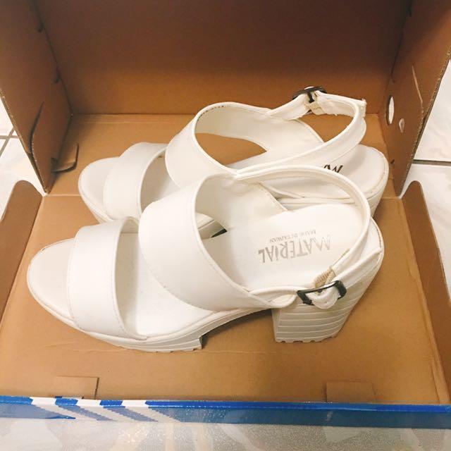 白色寬帶涼鞋 高跟鞋 有pc 蝦皮