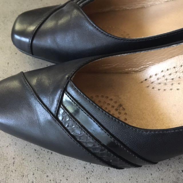 Allino Black Shoes 7C