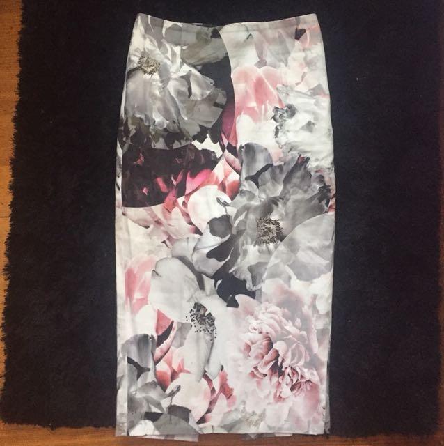 Bardot floral midi skirt size xxs