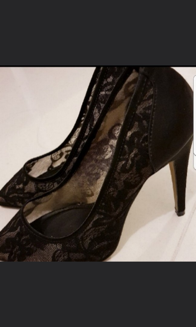 black lace heels size 6