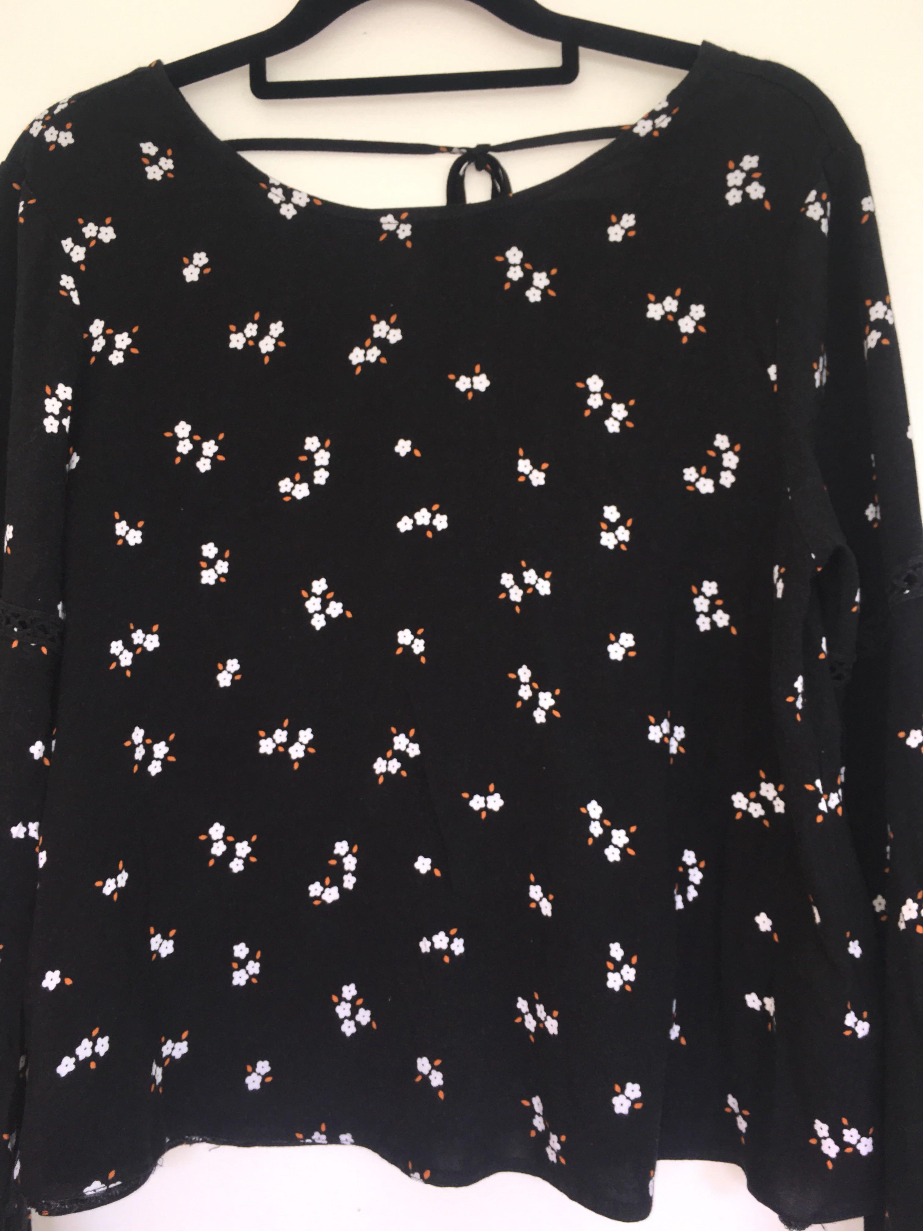 Black long sleeve - size S
