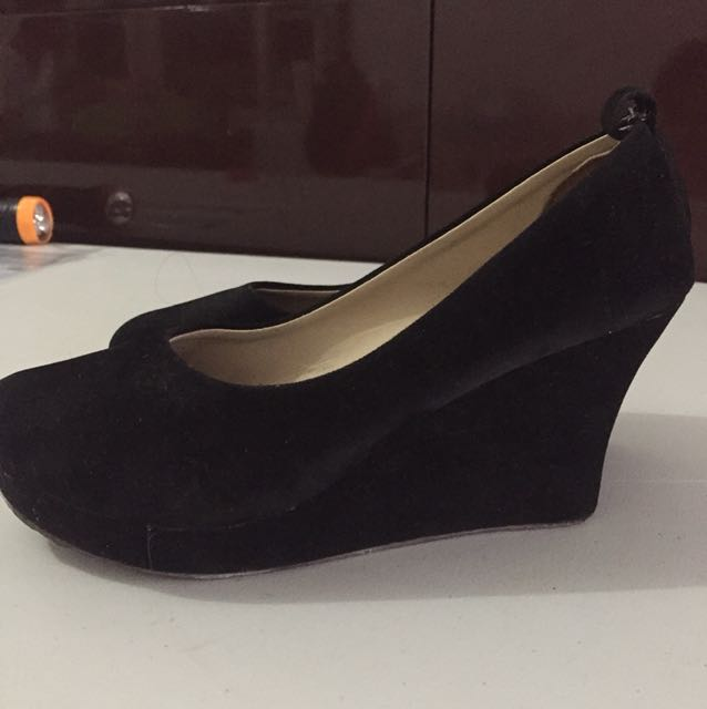 Black Wedges sz 38